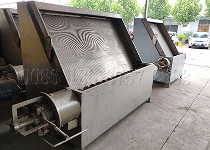 SEEC inclined screen manure separator